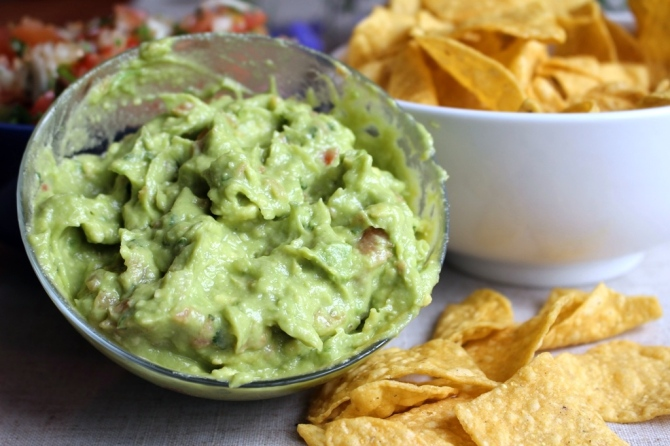 Mountain Man Guacamole. The best and easiest guacamole recipe on Earth! Small Town Girl Blog.