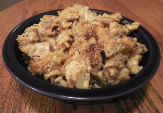 Chicken Bacon Ranch Macaroni and Cheese. Homemade macaroni and cheese with a twist and shout! Small Town Girl Blog