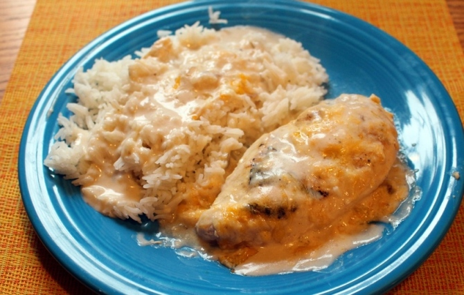 Sour Cream Chicken. Simple, easy, delicious. Perfect for a cold rainy day when you don't want to work too hard for a good meal. Small Town Girl Blog