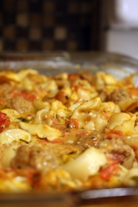 Meatball and tortellini bake. Easy and delicious! The best recipe for a rainy day. Super comfort food!!