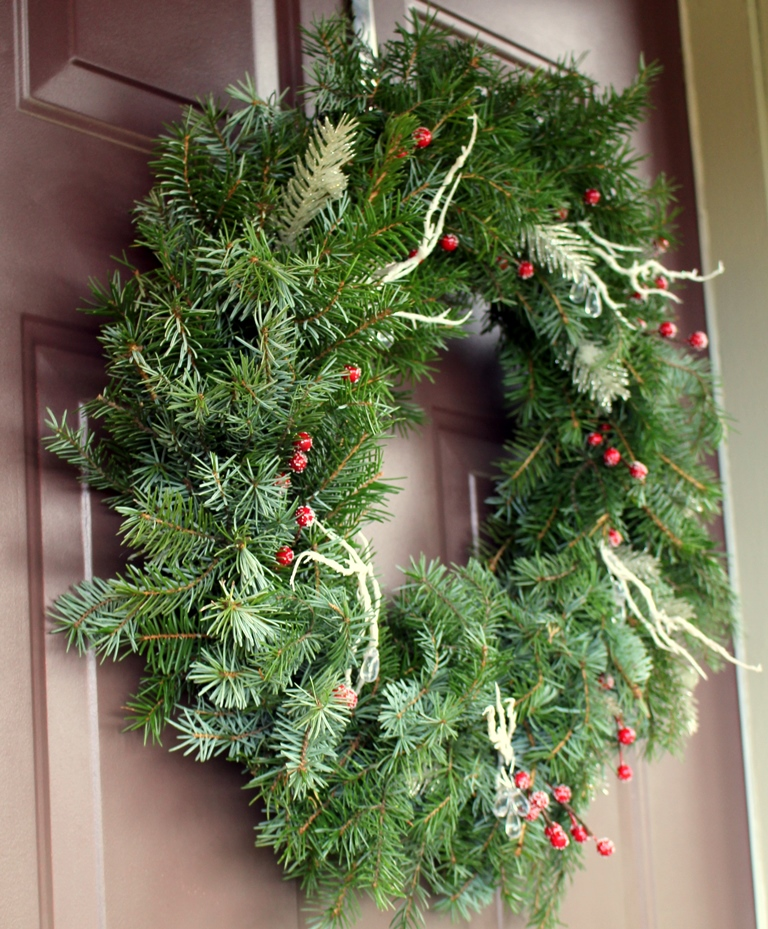 Diy fresh christmas wreaths the ramblings of an aspiring Simple christmas wreaths