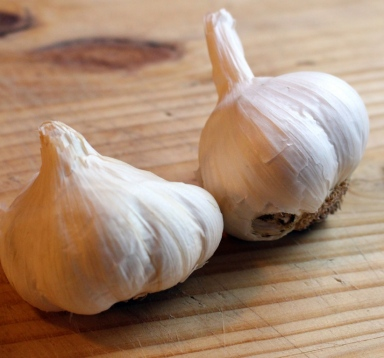Food Hacks: How to Roast Garlic. Small Town Girl Blog
