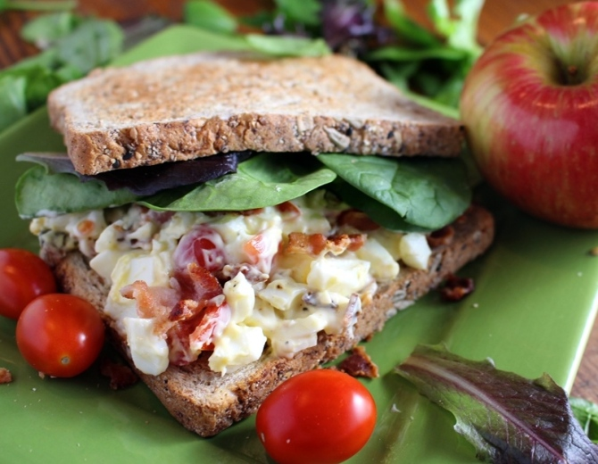 Revamp your traditional egg salad by adding tomatoes and bacon! Yum! Hello! You know you want this.  Small Town Girl Blog.
