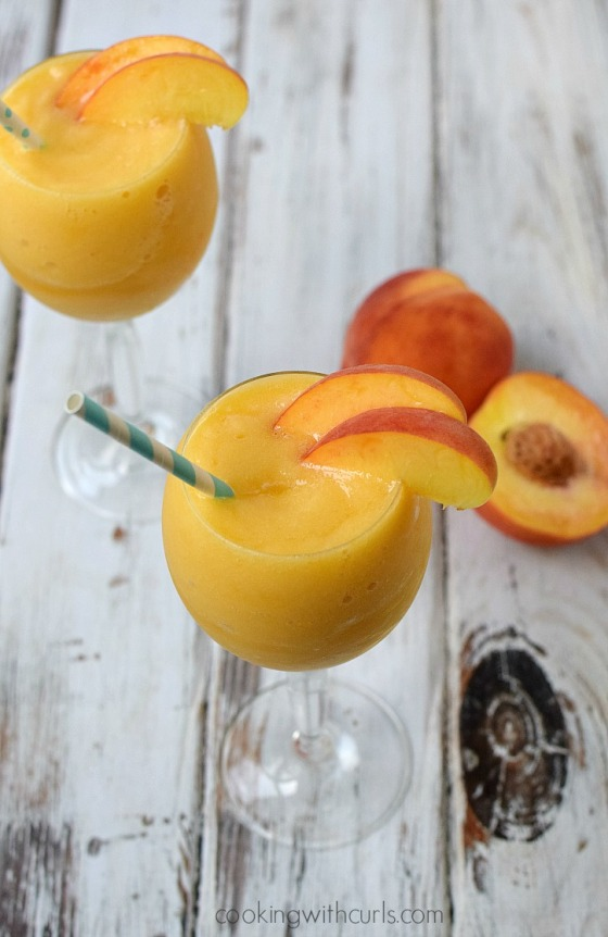 Celebrate-sisterhood-and-friendship-with-a-sweet-sassy-Peach-Moscato-Smoothie-cookingwithcurls.com-MiddleSister-DropsofWisdom